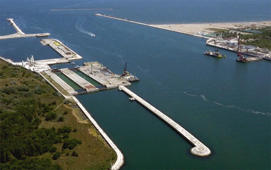 ricostruzione di un porto con droni professionali